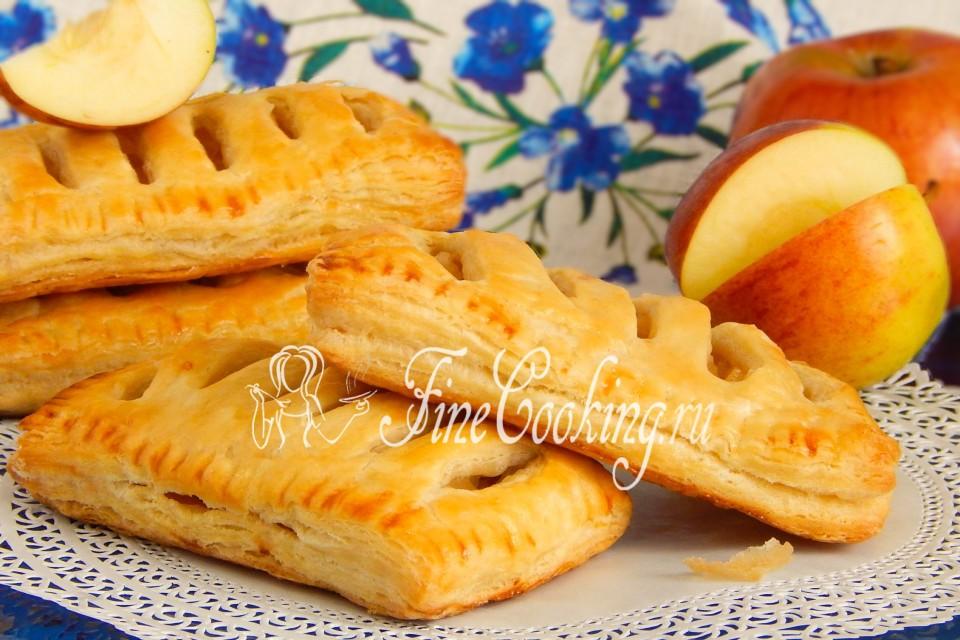 Пирог из слоеного теста с яблоками с пошаговым рецептом