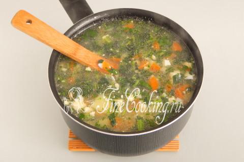 Суп с крапивой и яйцом. Шаг 13