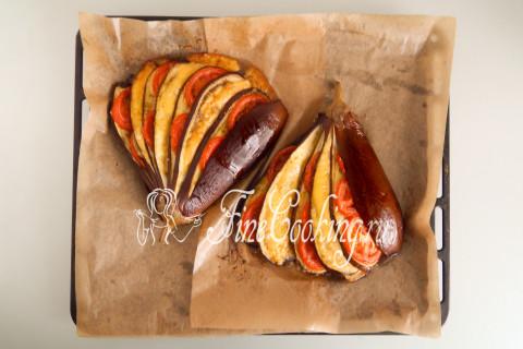 Веер из баклажанов с помидорами и сыром. Шаг 9