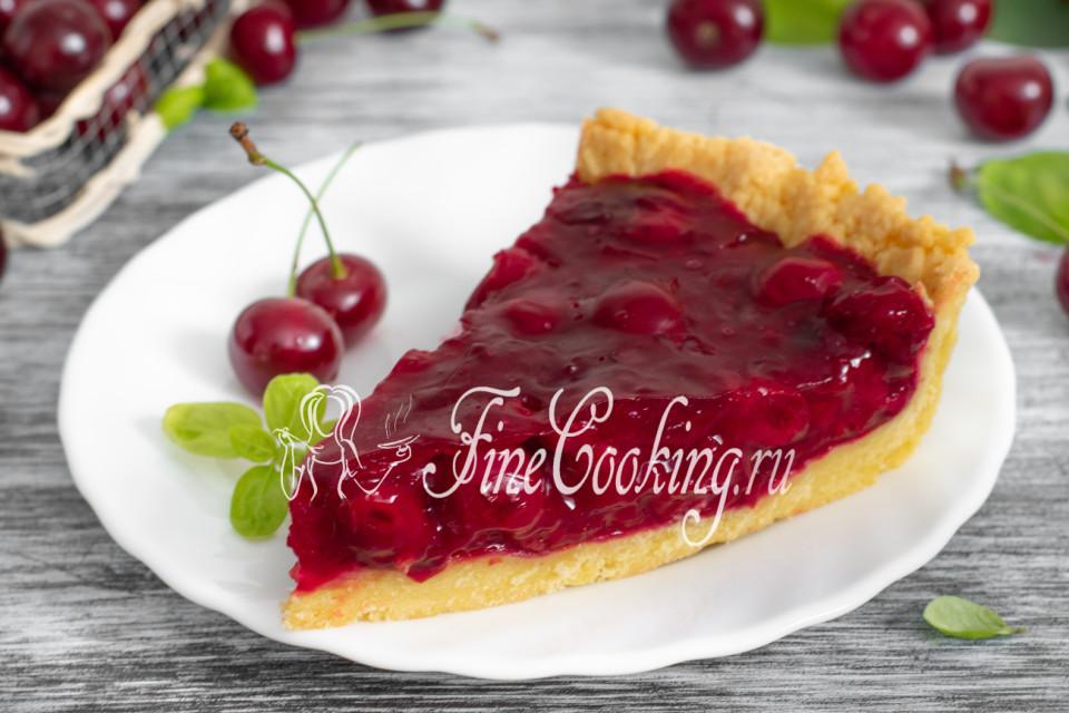 Открытый песочный вишневый пирог